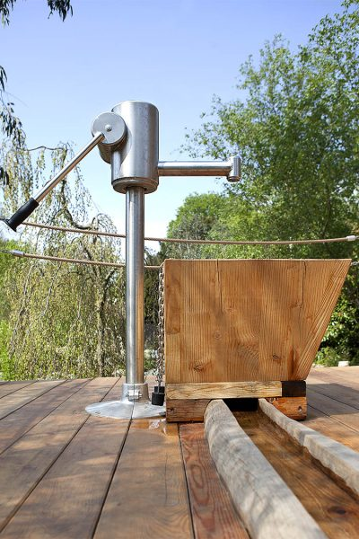 playground water pump