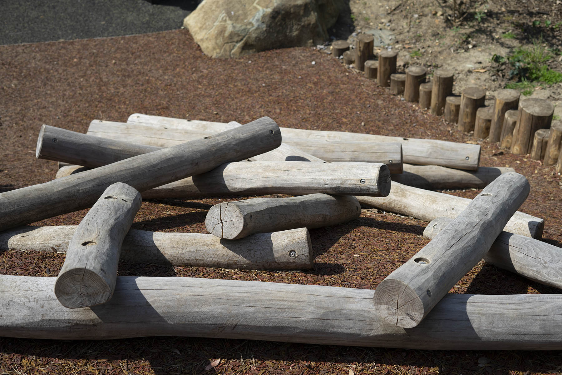 natural playgrounds log scramble