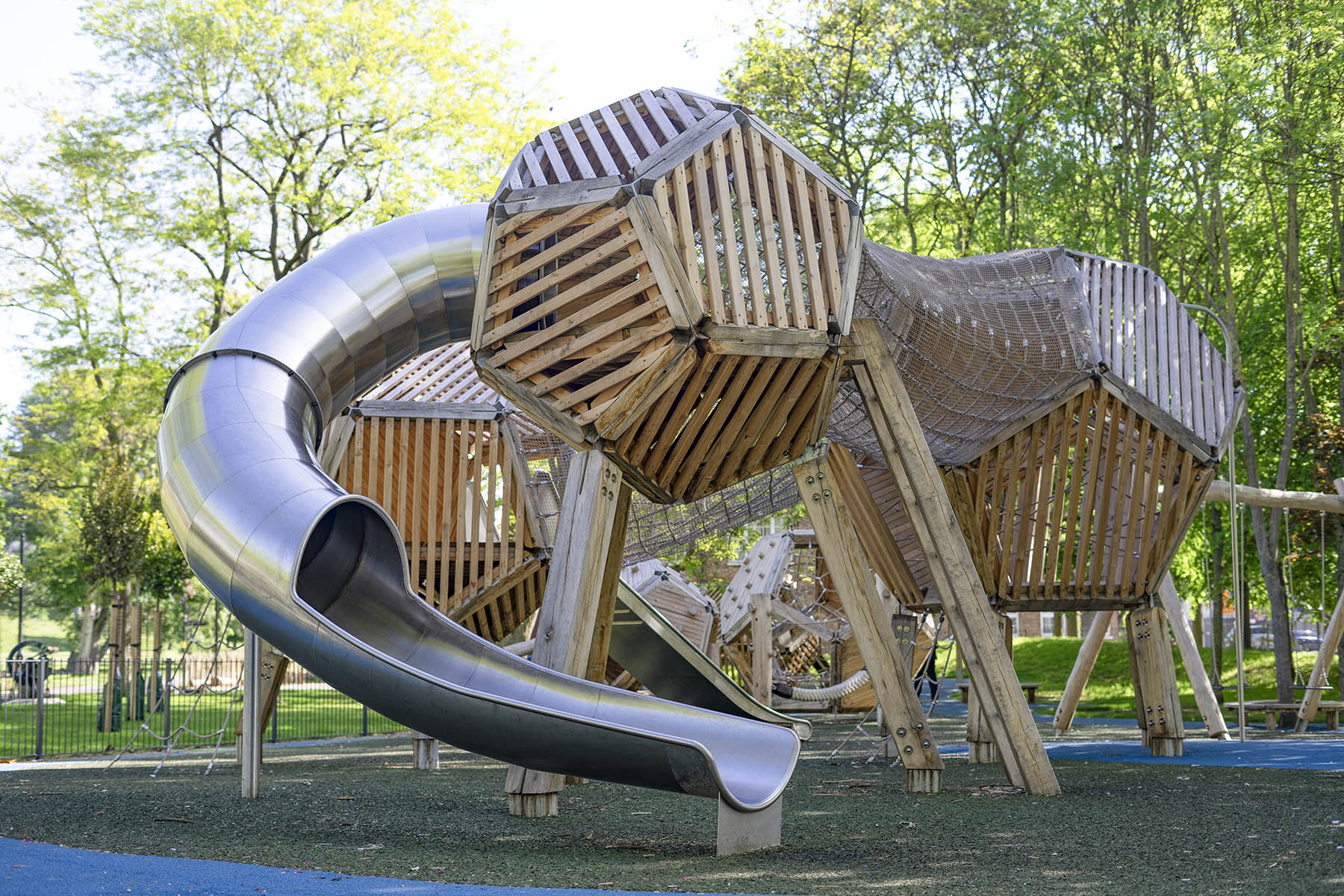 bespoke playgrounds installation