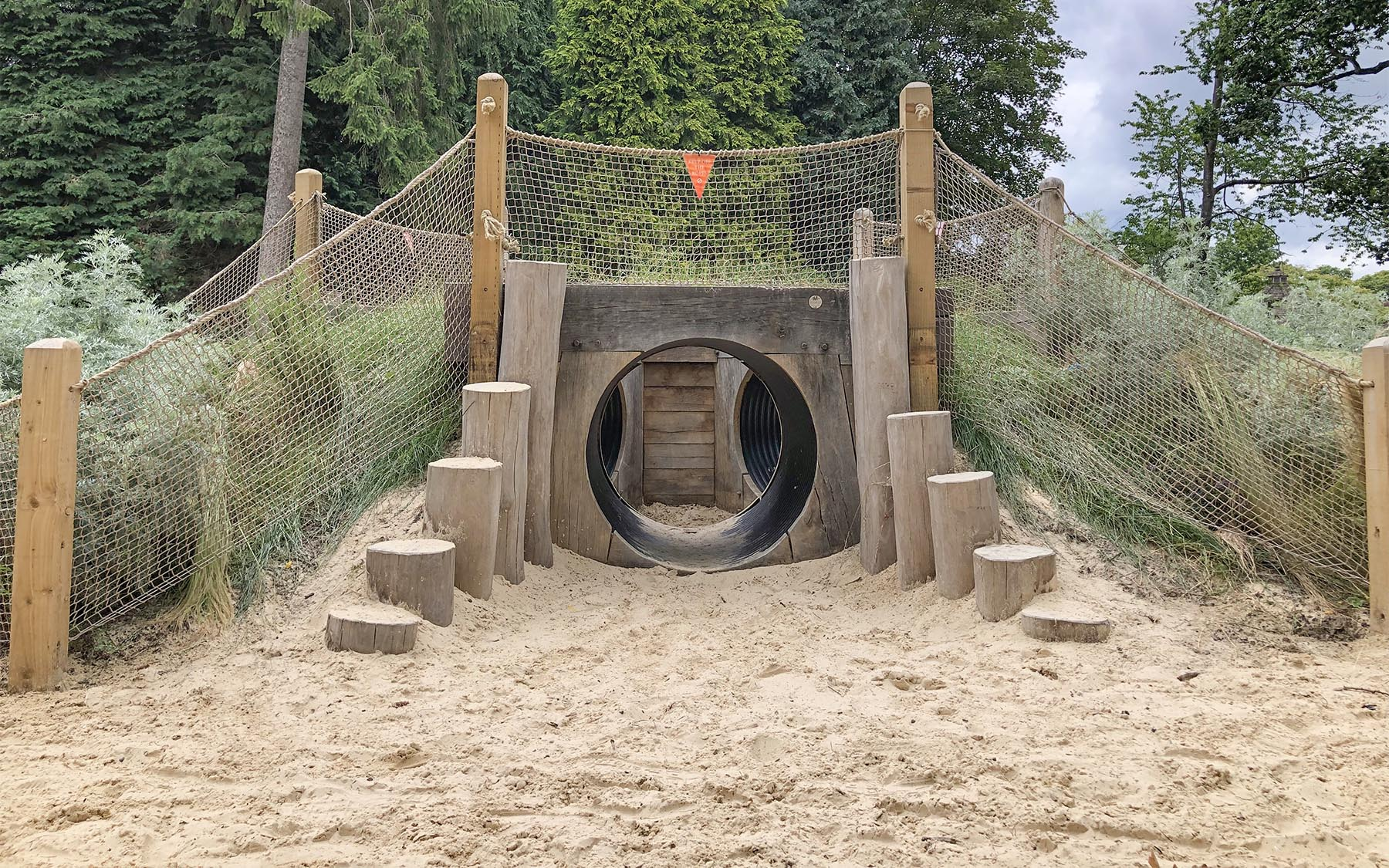 playground equipment tunnel