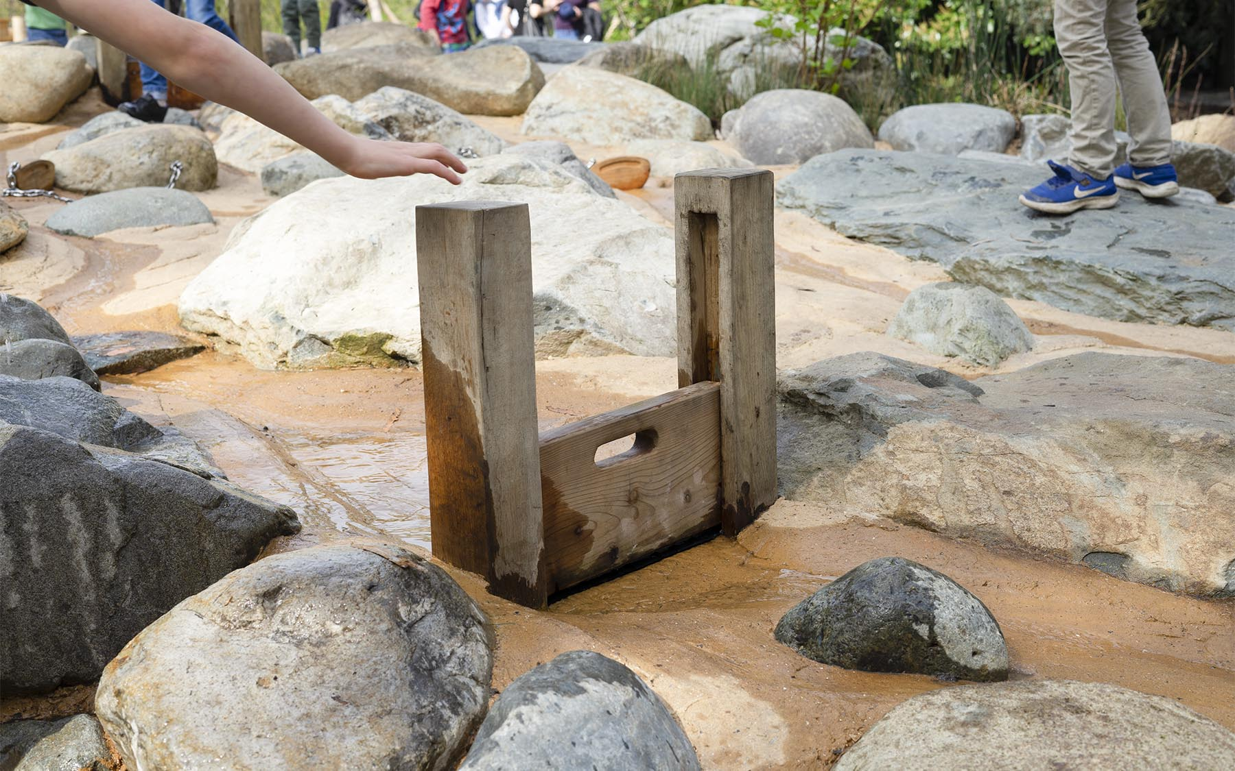 sand and water play equipment sluice gate